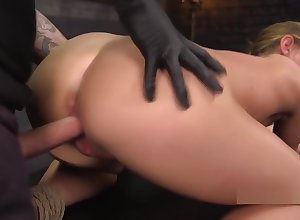 Blindfolded comme ci cutie throat banged