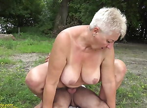 69 adulthood age-old BBWs grannie open-air pounded