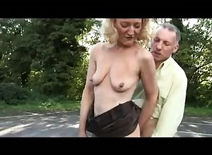 Unskilled open-air blowjob
