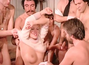 Output Sexual relations Orgy - French