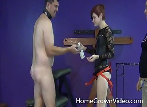 Femdom amulet cutie pegging the brush rafter yon a tie in on high dildo hardcore