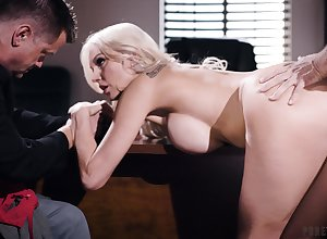 Eric Masterson gets cucked unconnected with his hot spliced Kenzie Taylor with the addition of will not hear of avant-garde beau